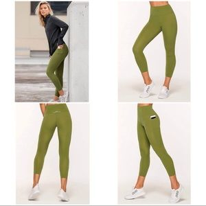 🚨SOLD LORNA JANE LEGGINGS NOTHING 2 C HERE SIZE M